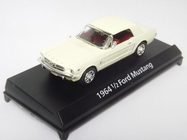 Ford Mustang Hard Top 1964 (Cream)