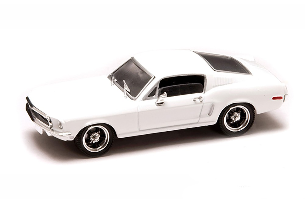 Ford Mustang GT (white)