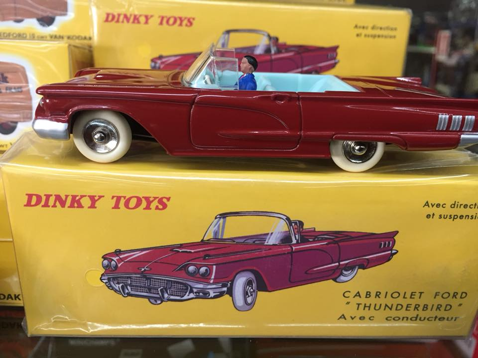 Ford Thunderbird Dinky Toys Replika Atlas