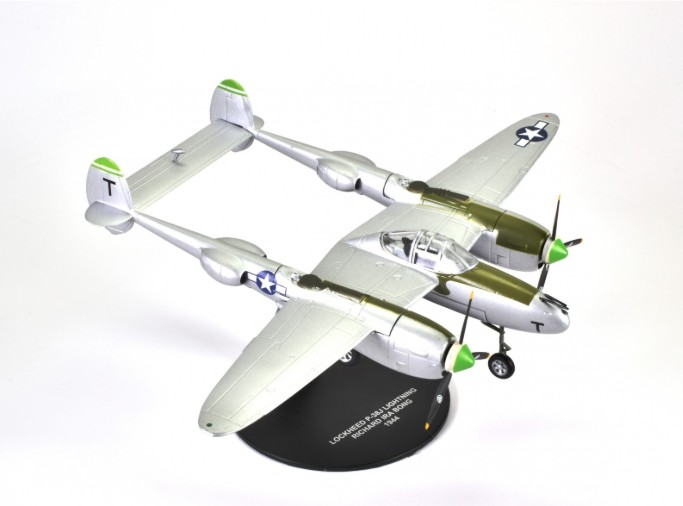 Lockheed P38 J Lightning 1:72